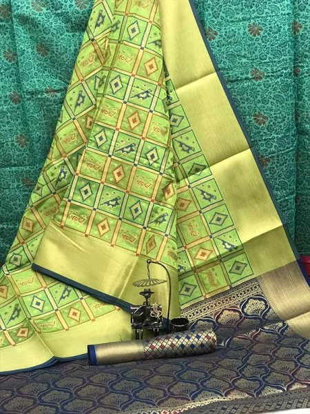 Latest Wedding Look Green Color Patola Silk weaving jacquard Saree