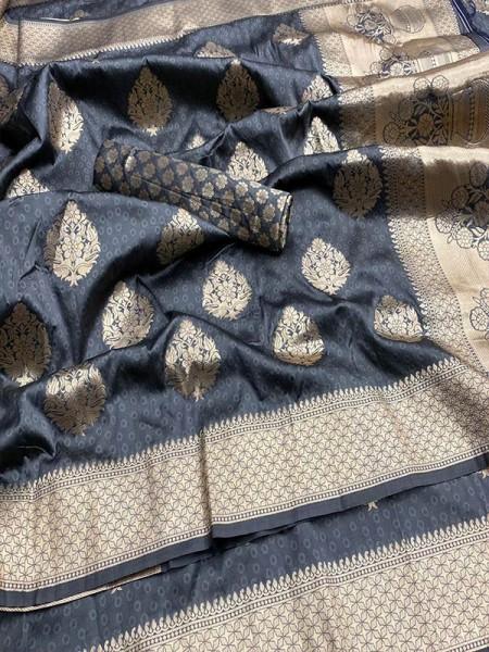 Pretty Look Banarasi Silk Saree with Meenakari work