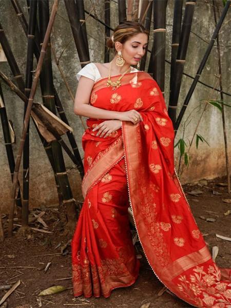 Amazing Stylish Banaras weaving Saree with goldzari & silver zari