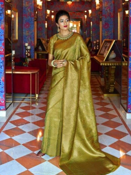 Wedding Designer Green Color pure silk weaving Saree with excellent soft texture