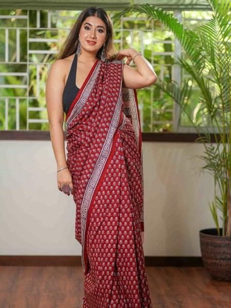 Printed Hit Design Linen Saree with Ajrakh Print & Banglori Silk Blouse
