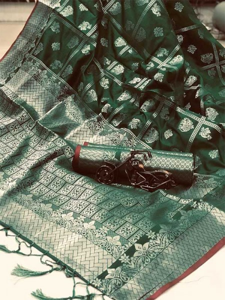 Latest Traditional Look Green Color Soft Silk Weaving Saree