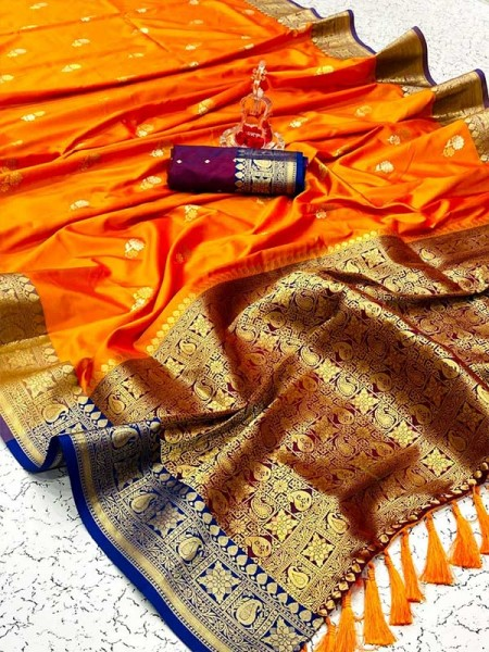 Superior Look Soft Silk Saree with Contrast Zari Border
