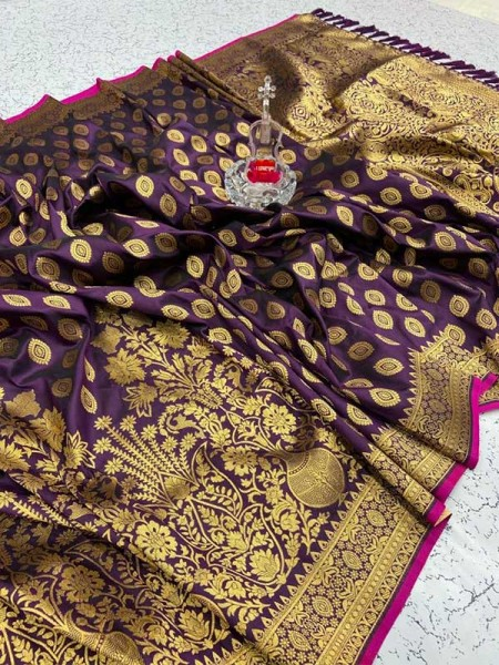 Amazing Stylish Soft Silk Saree With Contrast Rich Look Pallu