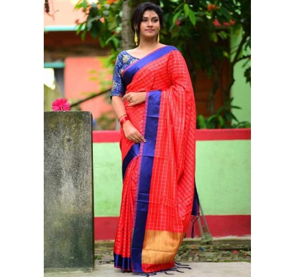 Elegance Look Red Colour Handloom Silk Weaving Saree
