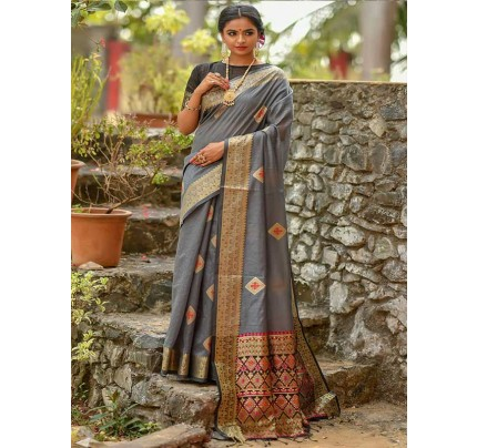 Elegance Look Grey Colour Handloom Cotton Weaving Woven Patola Pallu Saree