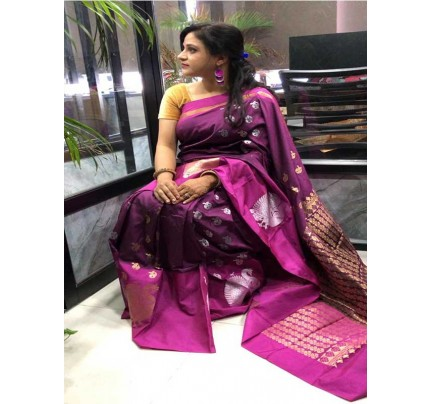 Pink  Colour Banarsi Handloom Saree With Perfect Weave Of Peacock In Border