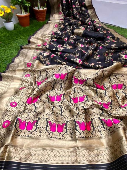 Black Color Pure Banasari Silk Saree With Rich Heavy Zari Pallu
