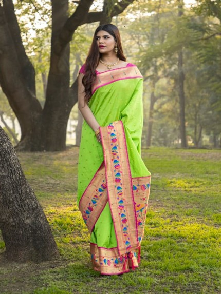 Rich Look Green Colour Patch Weaving Border With Soft Silk Saree