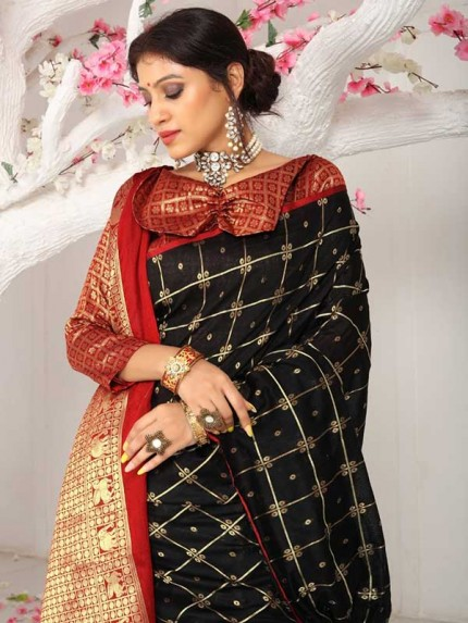 New Trending Black Colour Soft Weaving Cotton With Jequard Border Saree