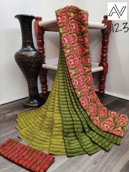 Eye-Catching Look Green color Viscose Lining GeorgettePrinted Saree